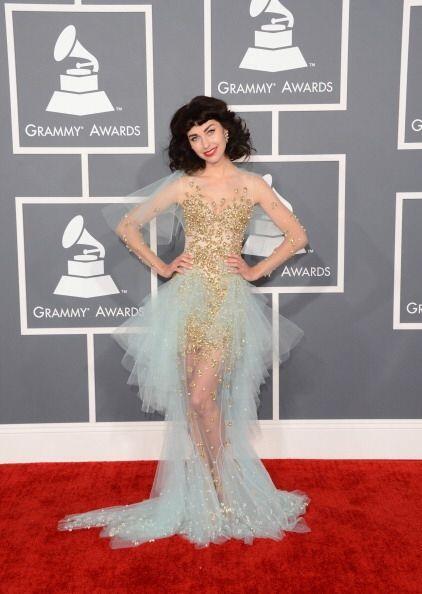 Otro de los peores 'looks' de la historia de los Grammy fue este de Kimb...