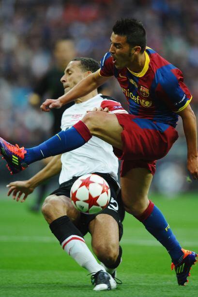 Rio Ferdinand, del 'Man-U' custodió cada movimiento de David Villa.