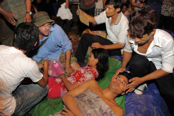 También resultaron heridas más de 300 personas, según informaron las aut...