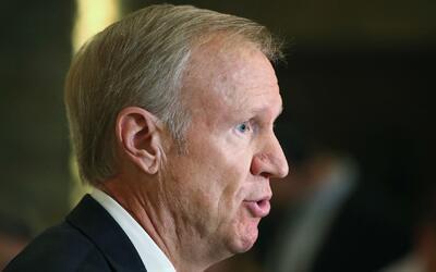 Gobernador de Illinois activa el protocolo en casos de desastre tras tor...