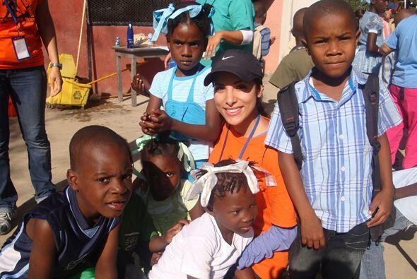Nuestra Senadora Natalia se fue a Haití a llevar ayuda a los damn...