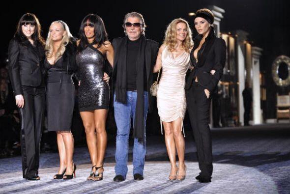 Las Spice Girls también tuvieron la experiencia de subirse al escenario...