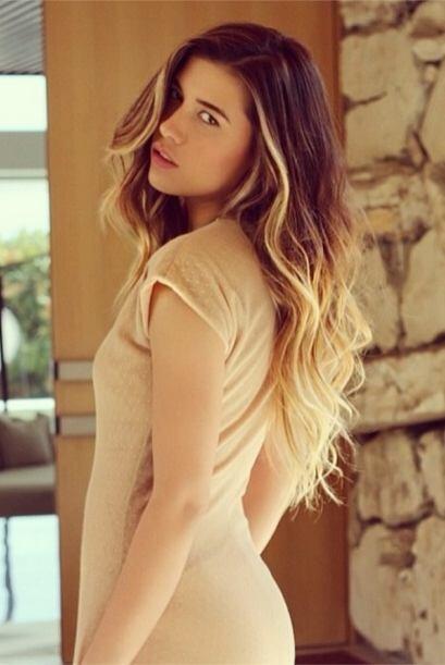 Esta guapa chica es Michelle Salas, sí, nada más y nada menos que la hij...