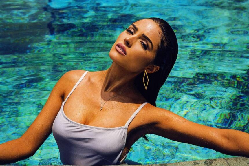 Medios de la farándula han mencionado que la bella modelo dejó al jugado...