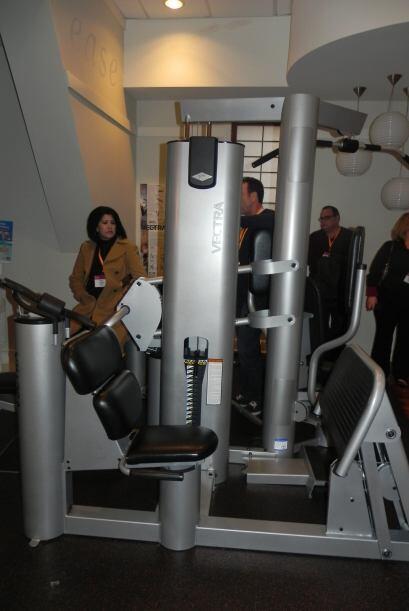 El Scott Hamilton Family Fitness Center cuenta con los más modernos apar...