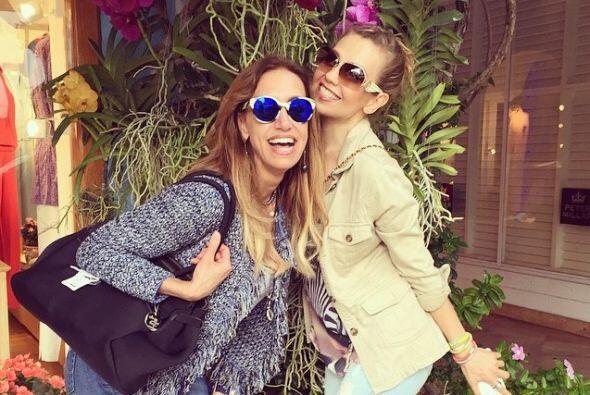 Lili Estefan celebró el Año Nuevo con su mejor amiga Thalía.