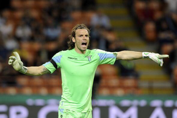 Incluso, la salida de Valdés del Barcelona (que ya se conoce desde hace...