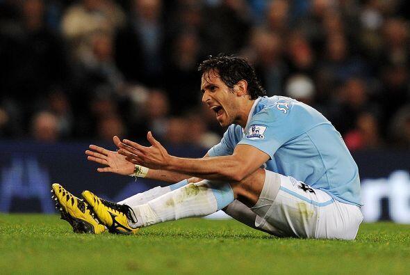 En su paso por el Manchester City no se salvó de los malestares físicos,...