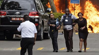 Revelan imágenes de un hombre que hace estallar una bomba sujeta a su cuerpo en Kenia