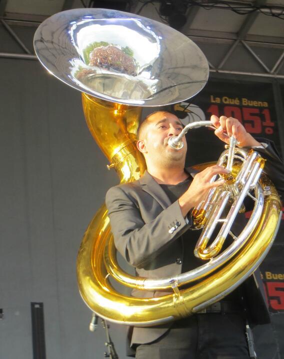 Noel Torres robó corazones en Fiestas Patrias 2015 y conquistó miles de...