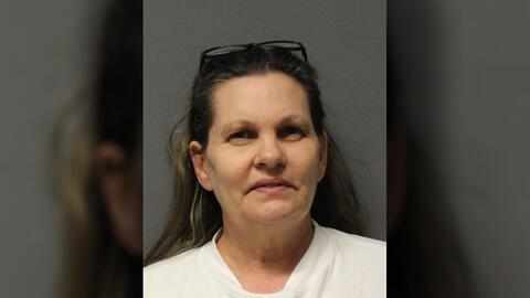Katherine Herber, de 57 años enfrenta un cargo de homicidio en pr...
