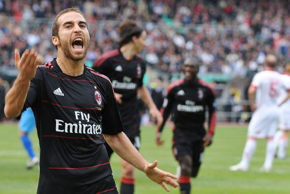 Más tarde, fue el turno del francés Mathieu Flamini que puso el 2-0.