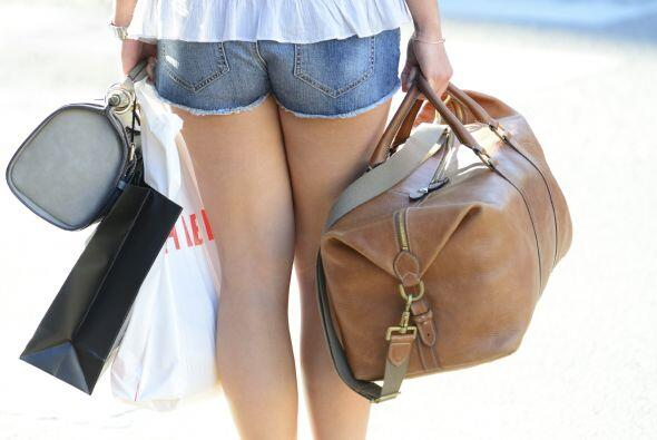 'Backpack'. Aunque no querrás ir de paseo sobrecargada, hay básicos que...