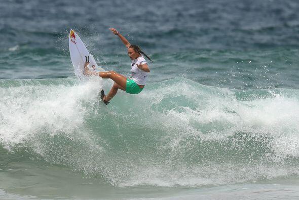 """""""Me encanta montar una ola. Me encanta levantarme temprano en la mañana,..."""