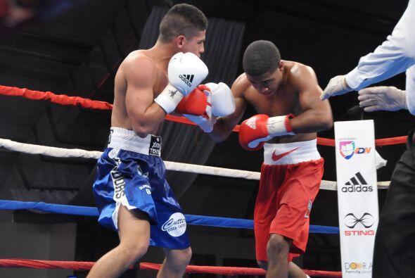 Dos boxeadores con buen historial en el amateur que lo dieron todo sobre...