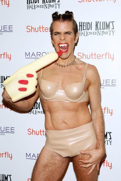 Uno de los atuendos más divertidos fue el de Perez Hilton, ¿adivina en q...