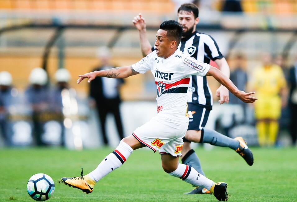 Brasileño Fred se ofrece al City y elogia a Guardiola gettyimages-876333...