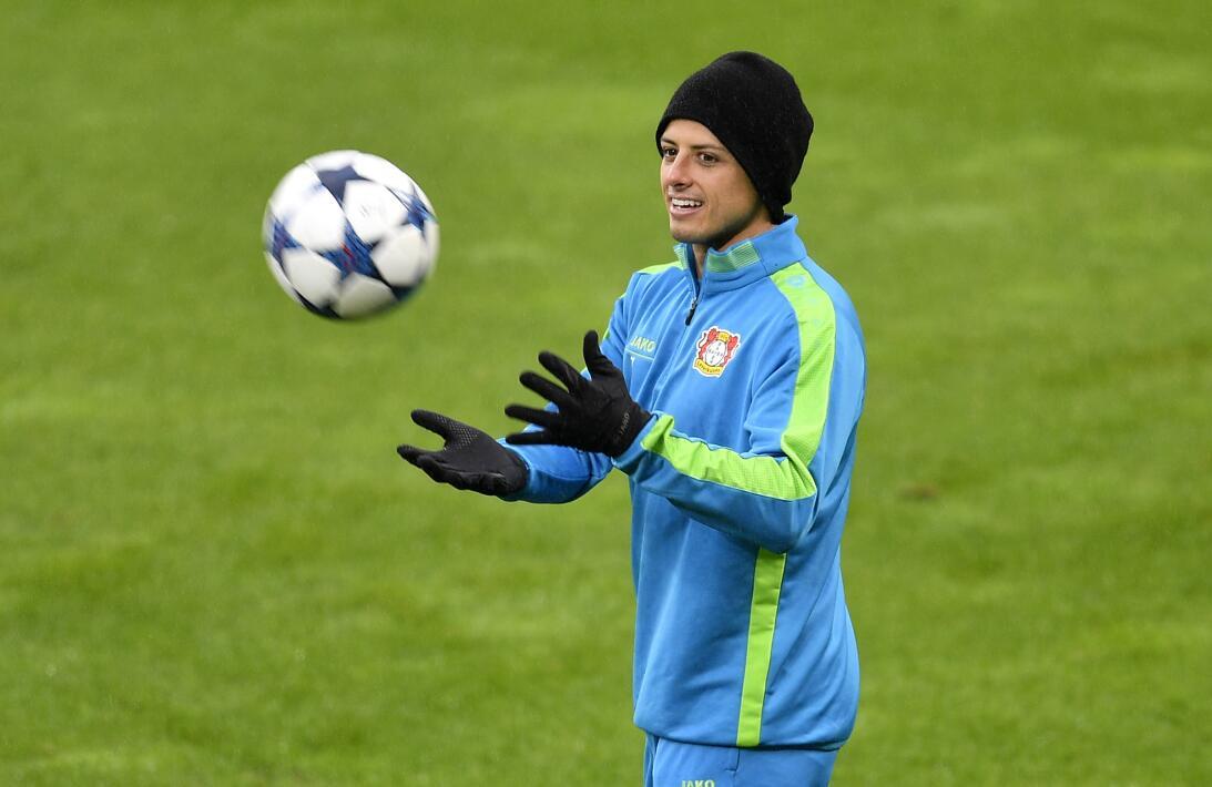 'Chicharito' vive un momento para el olvido con el Bayer Leverkusen en l...