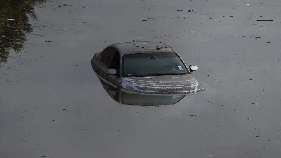 Evita comprar un auto inundado siguiendo estos consejos GettyImages-4747...