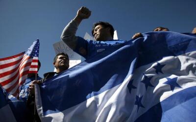 Protesta de hondureños frente al Capitolio. (Foto de archivo)