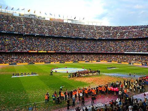 El Camp Nou vivió un día especial para depedir a Xavi Hern...