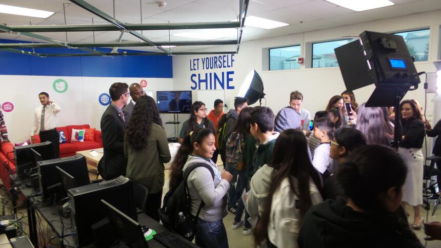¡Ya abrió sus puertas nuestro Univision Media Center en Oakland! 2016090...