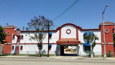Motel Royal Inn en la ciudad de Compton donde encontraron el cuerpo del...