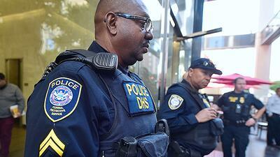 Agentes federales del servicio de inmigración seguirán deteniendo a inmi...
