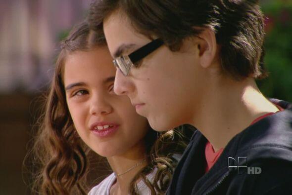Desde niños Iván y Lucia son manejados por los vaivenes del destino y lo...