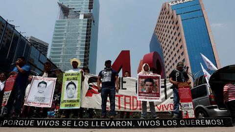 Familiares de los estudiantes desaparecidos en Ayotzinapa temen que haya...