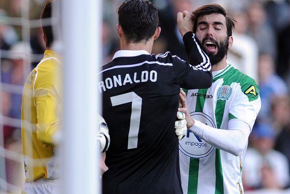 Los reclamos de la grada y jugadores del Córdoba no se hicieron esperar...