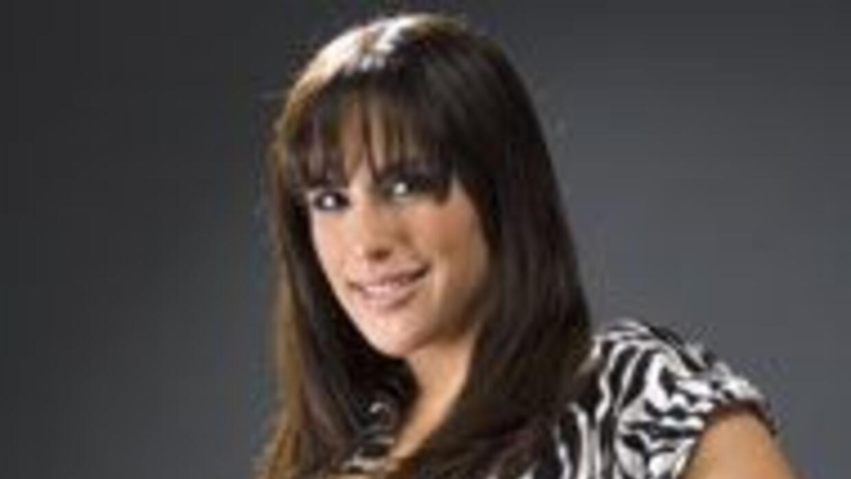 Con su belleza y gran carisma, Angélica Vale se une a Univision.