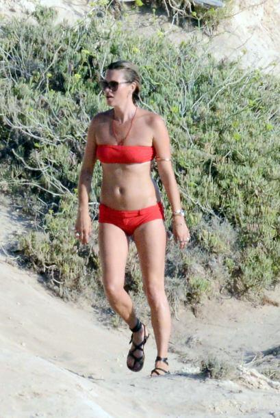 Kate se paseó en bikini.
