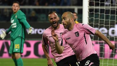 Palermo vence al Verona y salva categoría en la Serie A