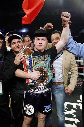 Las mejores imágenes de la pelea  que 'Canelo' Álvarez le gan'o a Miguel...