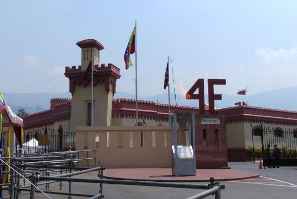"""El """"Cuartel 4 de Febrero"""", ubicado en el corazón del barrio caraq..."""