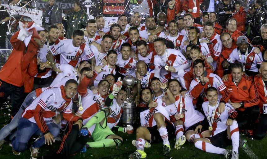 River goleó a Tigres en el Monumental y conquistó América - River Plate...