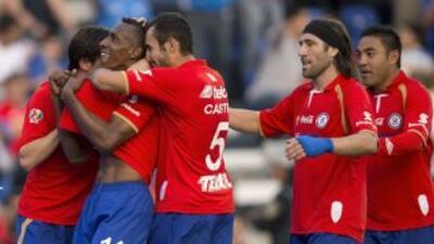 Cruz Azul goleó 4-0 al Veracruz en la capital mexicana.