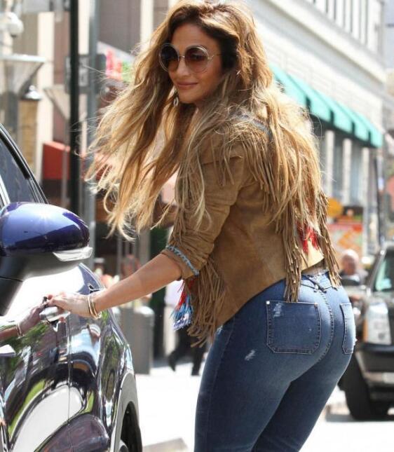 Khloé Kardashian copia a Jennifer López 0.jpg