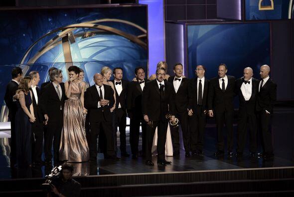 """Breaking Bad"" se llevó su primer Emmy por mejor serie en drama. Mira aq..."