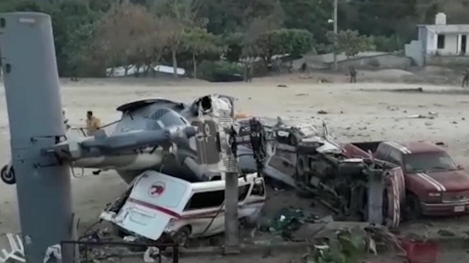 En los vehículos sobre los que cayó la nave dormían las víctimas que hab...