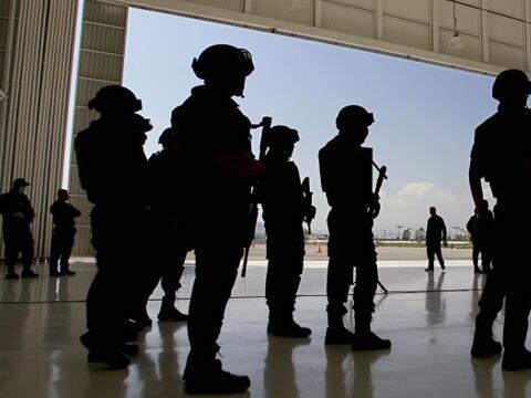 Los Zetas es uno los grupos dedicados al narcotráfico. Se form&oa...