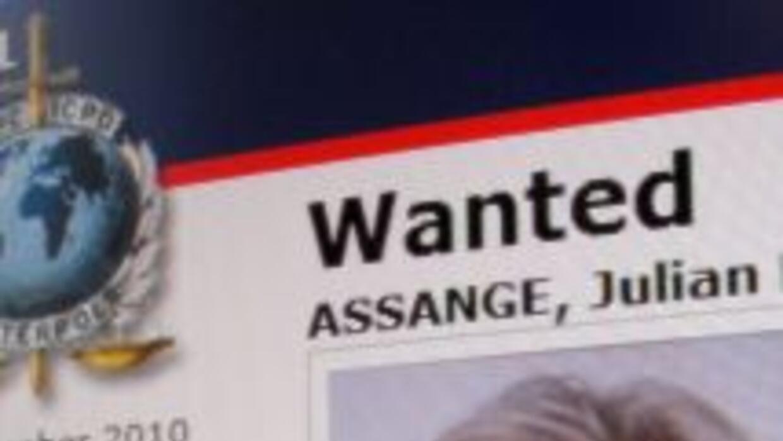 Julian Assange es buscado por la Interpol.