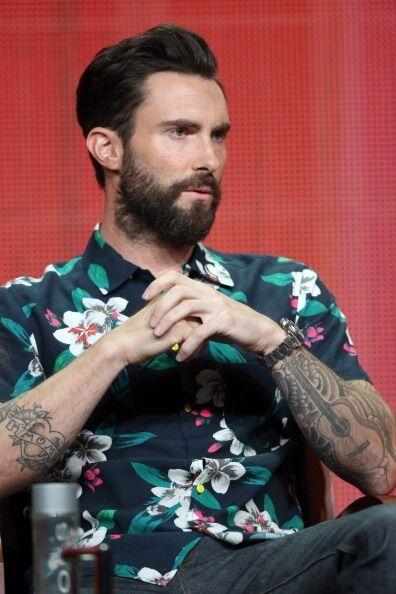 Además de su música, la barba de Adam Levine es uno de sus...