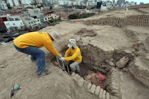 Es difícil saber, apuntó la arqueóloga, si los tres menores enterrados j...