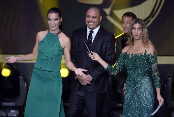 Vaya manera de sufrir la de Ronaldo y Neymar, que aparecieron junto a Fe...
