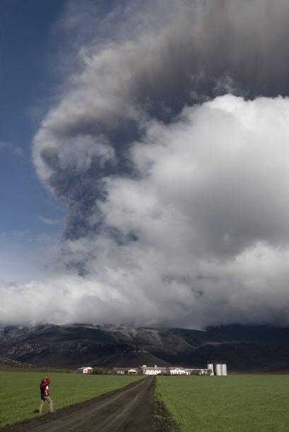 El volcán islandés Eyjafjallajökull hizo erupci&oacut...
