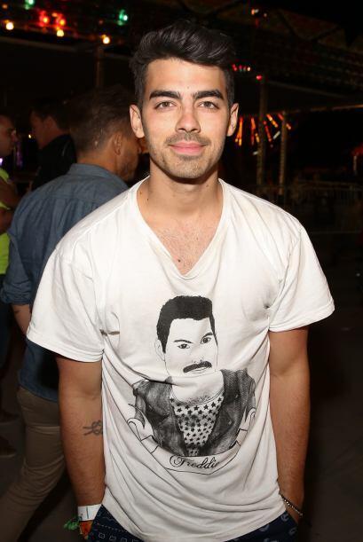 Joe Jonas en una fiesta. Mira aquí los videos más chismosos.