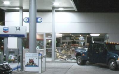 Usando una camioneta hurtada, seis hombres intentaron robar un cajero au...