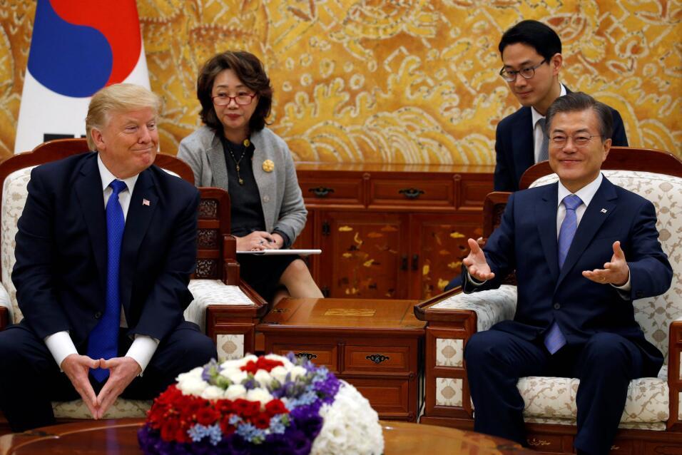 El presidente Donald Trump reunido con su homólogo surcoreano Moo...
